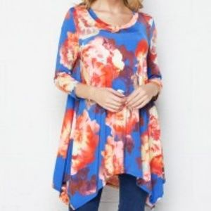 NWT HONEYME FLORAL PRINT UNEVEN TUNIC TOP